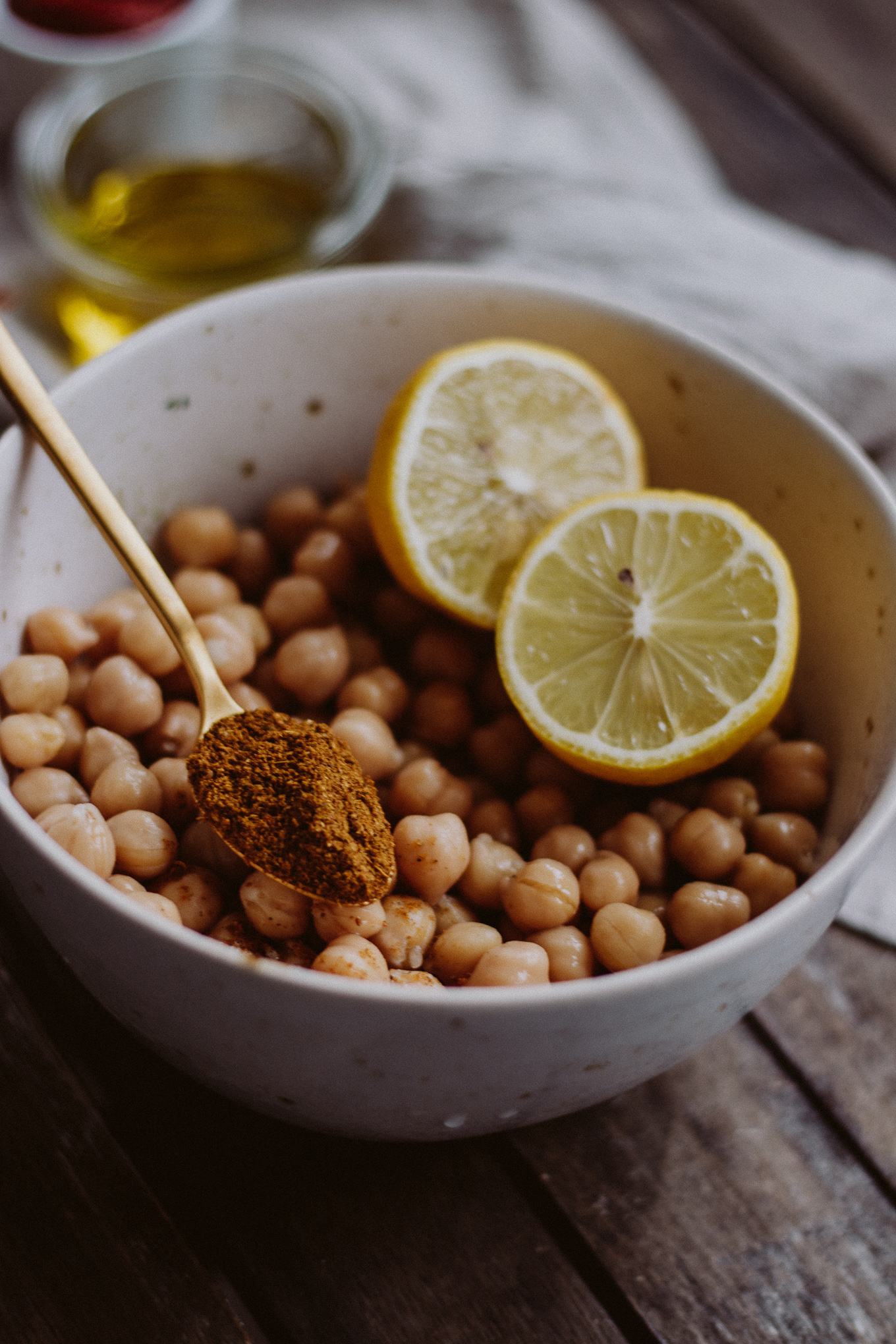 2019 The Daily Dose orientalischer Hummus