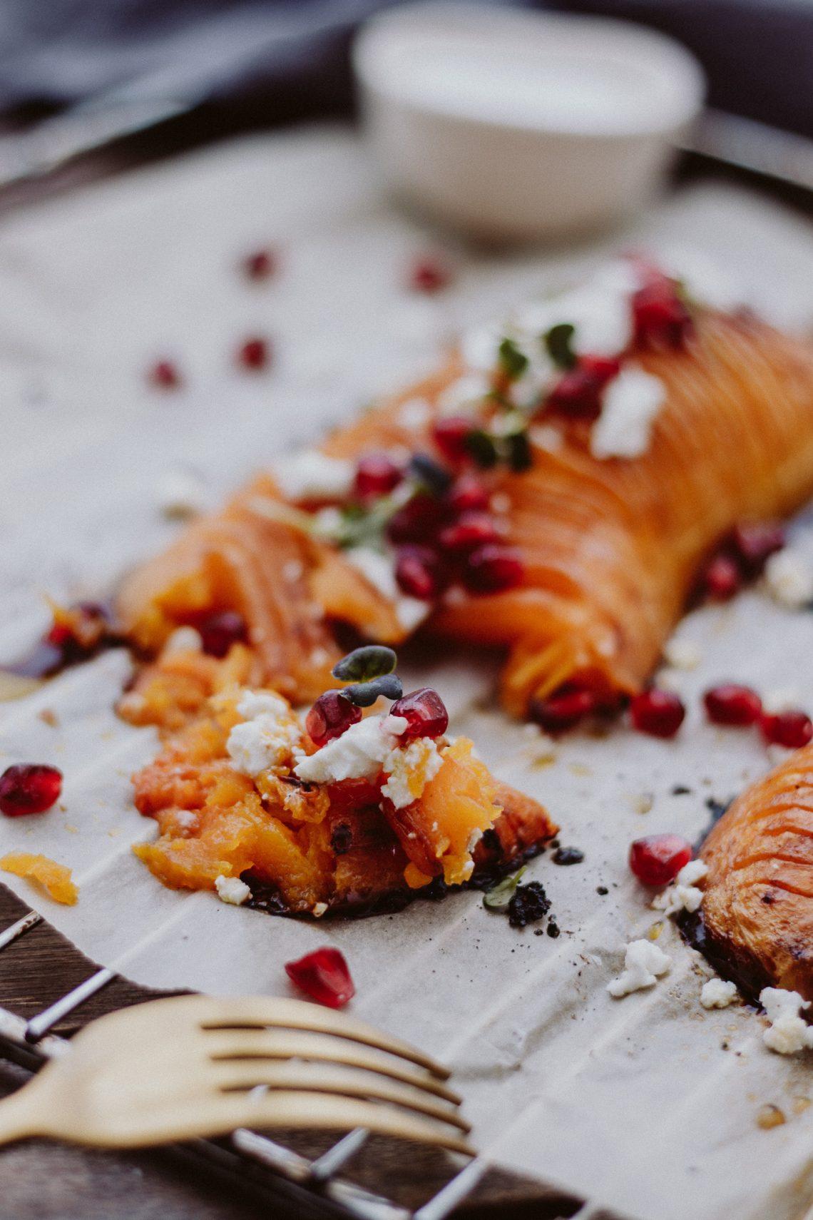 Rezept: Hasselback Butternuss Kürbis aus dem Ofen