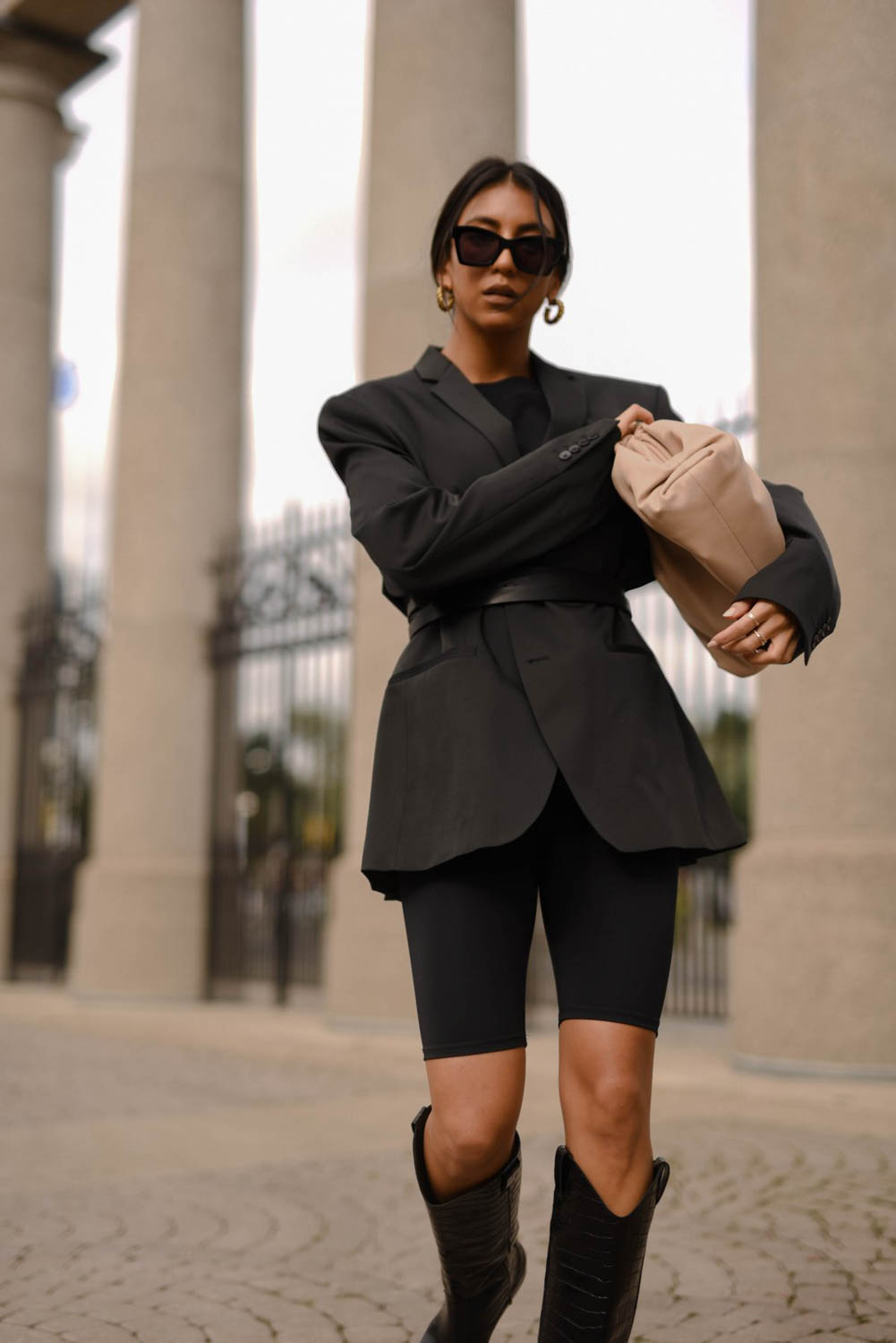 Steal Her Style: All Black Everything Blazer - love daily dose