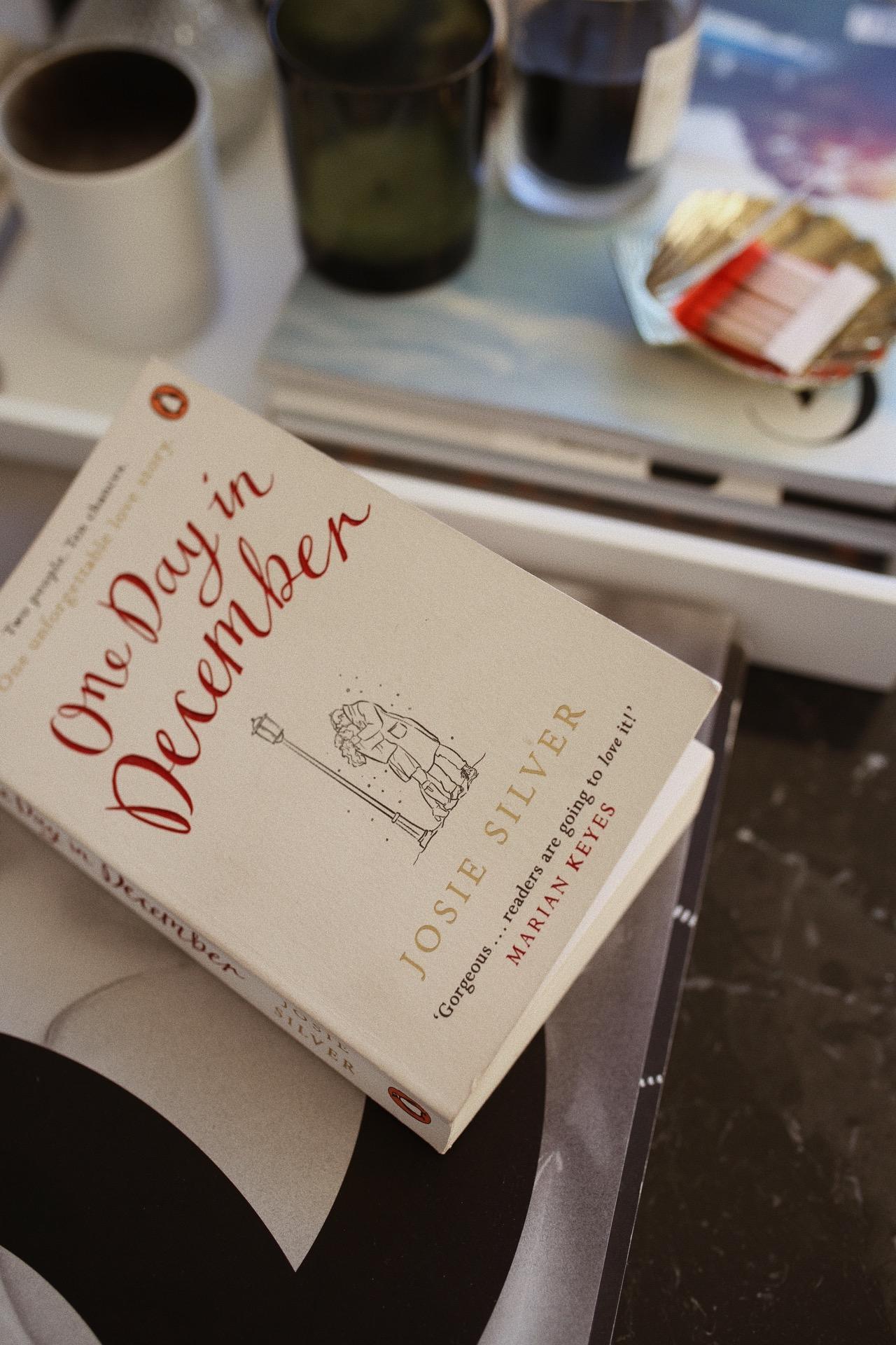 Ein Tag im Dezember (Josie Silver) Rezension - Love Daily Dose
