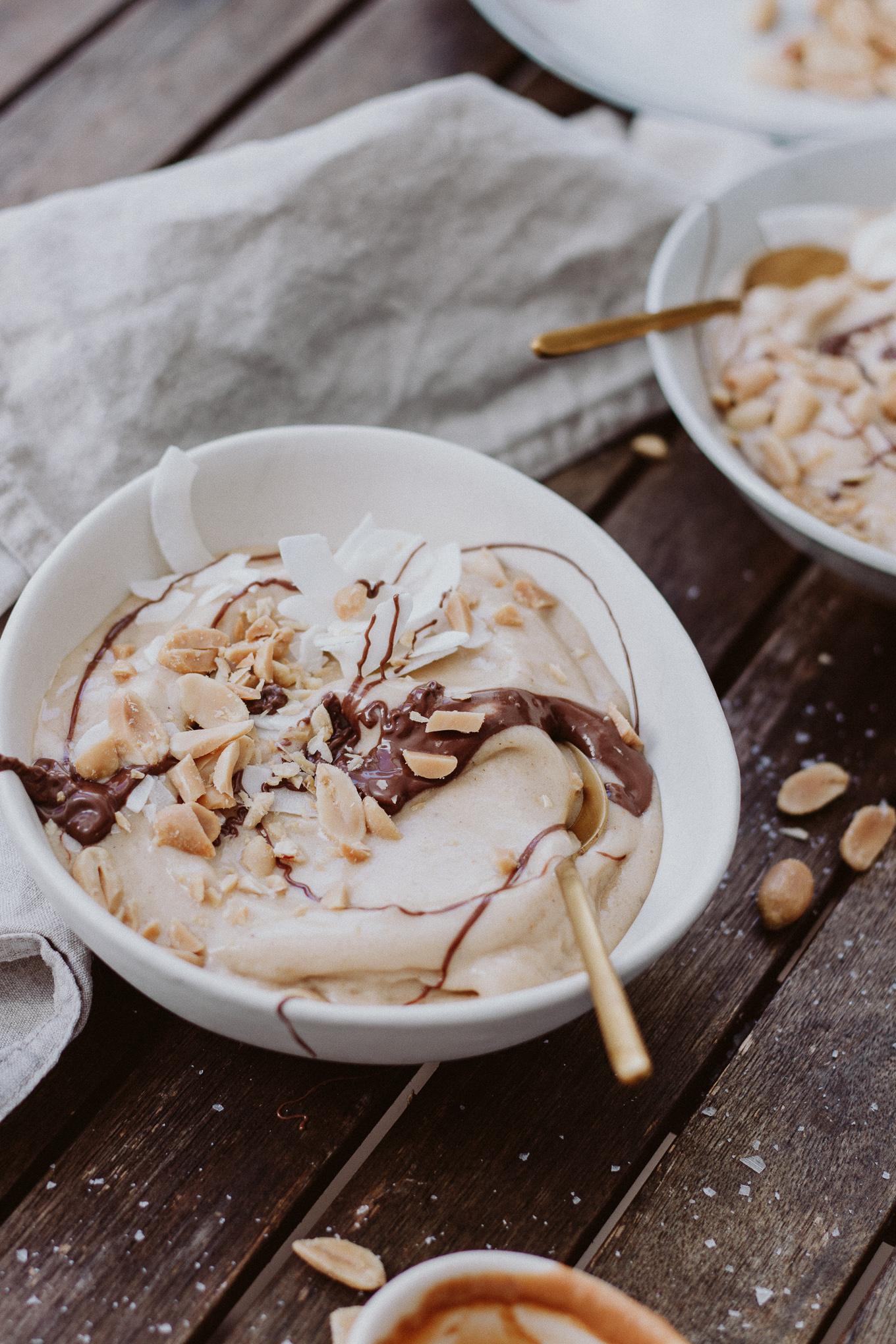 The Daily Dose Rezept Peanutbutter Nicecream Frühstück