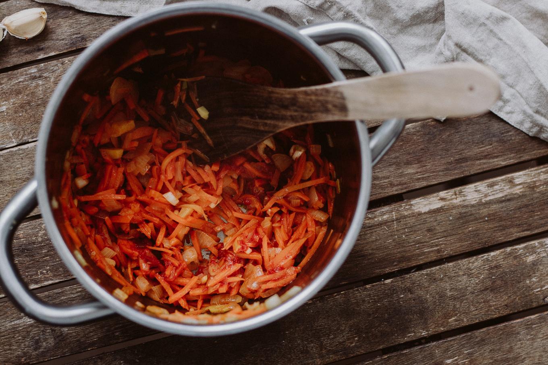 The Daily Dose Rezept vegan vegetarisch Tomaten Erdnuss Suppe