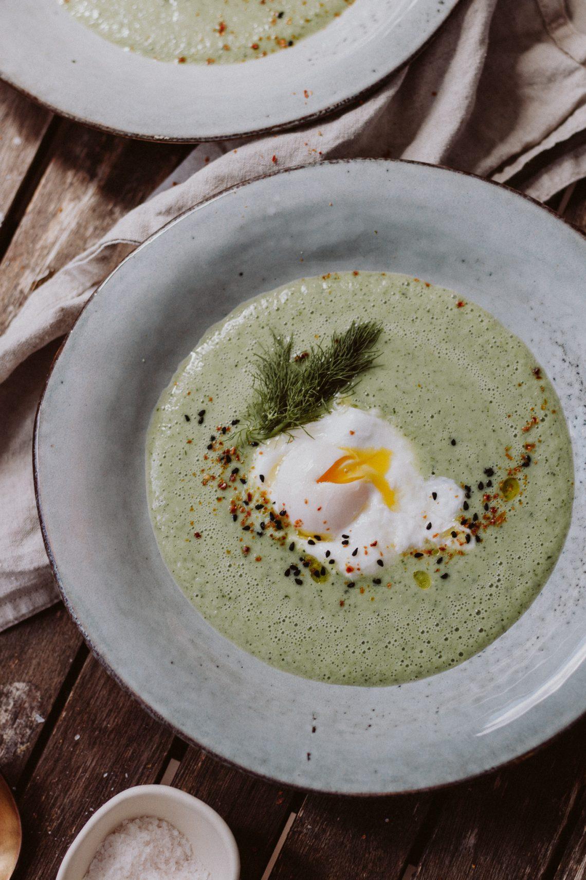 Rezept: Gurken Buttermilch Kaltschale mit Ei