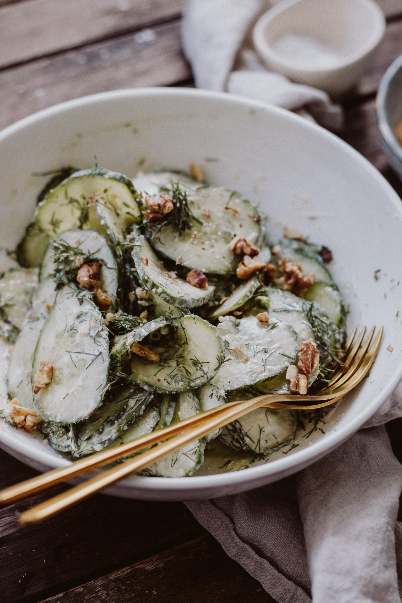 The Daily Dose Rezept veganer Gurken Rahm Salat low carb vegetarisch